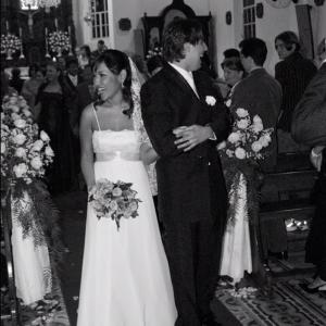 Esse foi o dia do meu casamento! Casei novinha, com 24 anos. A foto já mostra o tanto que esse dia foi feliz para nós dois!