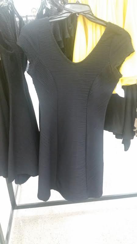 Vestido estilo bandagem com a saia mais rodada, valoriza o corpo e é um coringa! Preço: R$99,90.