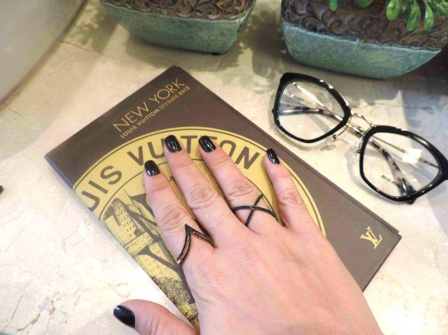 Olha que delicados esses anéis, mas ao mesmo tempo marcantes!