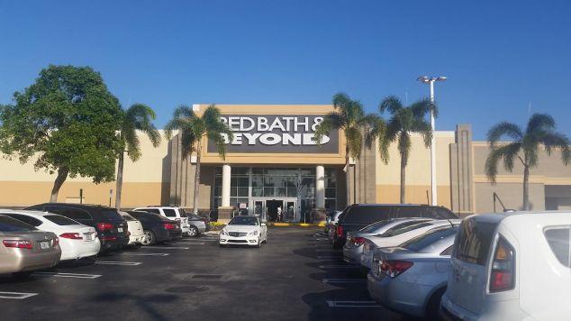 Bad, Bath & Beyond, a loja é gigante e tem de tudo para casa!